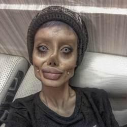 Сахар Табар: 5 фактов о девушке-зомби, которая хочет быть похожей на Анджелину Джоли (фото) Ae3cff22ef44ea6e707542b415cff6dd