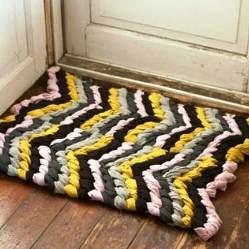Как сделать коврик для ванны из старых полотенец 783