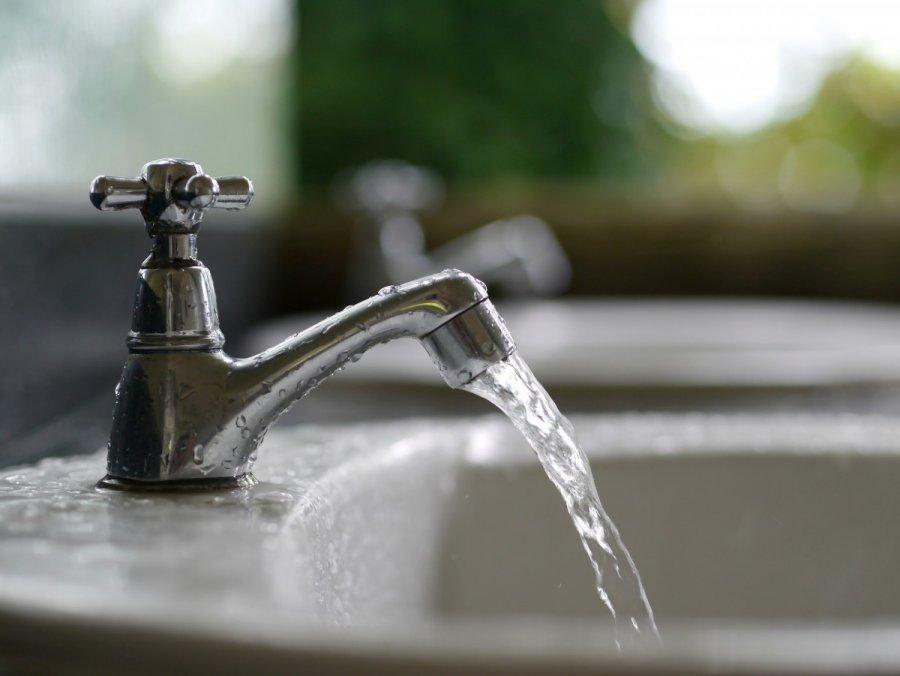 7 грубых ошибок, которые вы совершаете во время уборки в ванной
