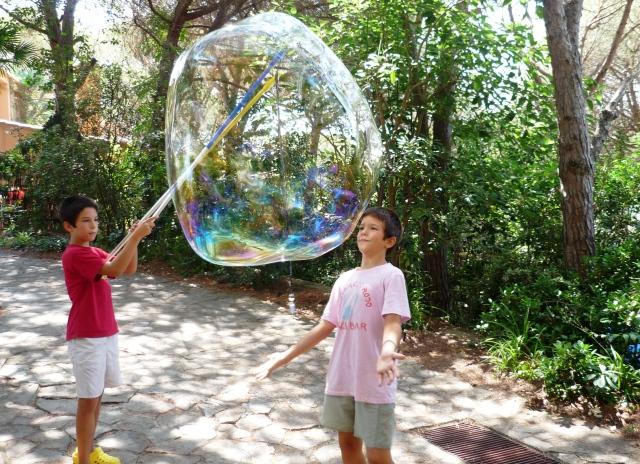 Как сделать большие и прочные мыльные пузыри 79