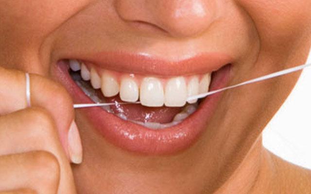 Зубная нить - как пользоваться зубной нитью правильно?