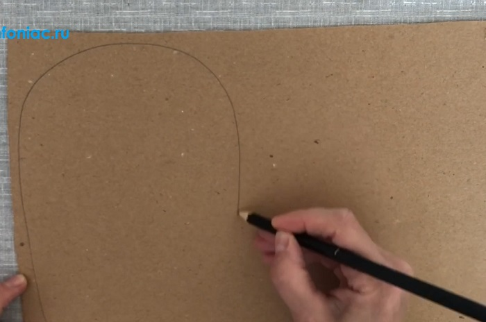 Осенняя поделка - ёжик из картона и веточек