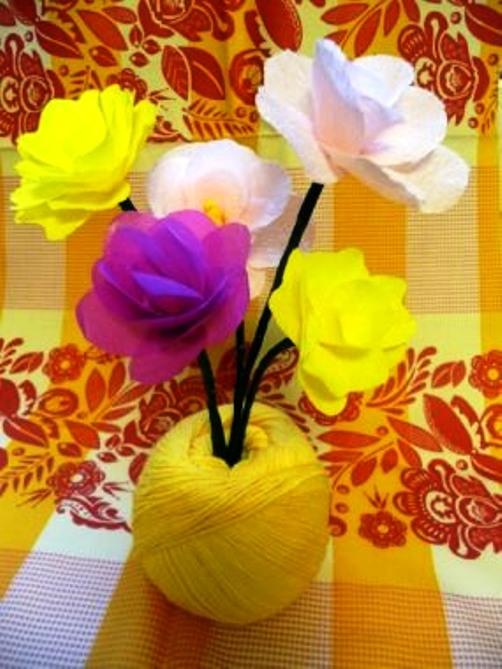 Цветы из бумаги своими руками для ваз