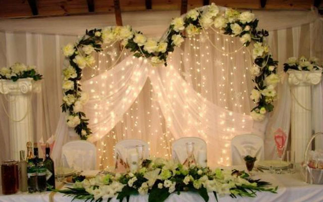 Большие цветы для украшения зала своими руками фото 245