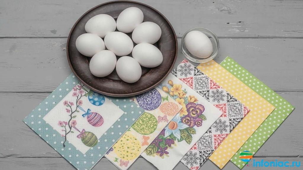Украшение пасхальных яиц техникой декупажа