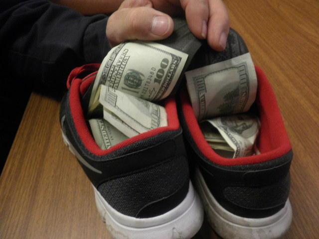 Где лучше прятать деньги