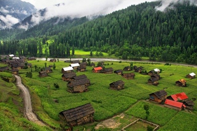 essay on natural beauty of pakistan