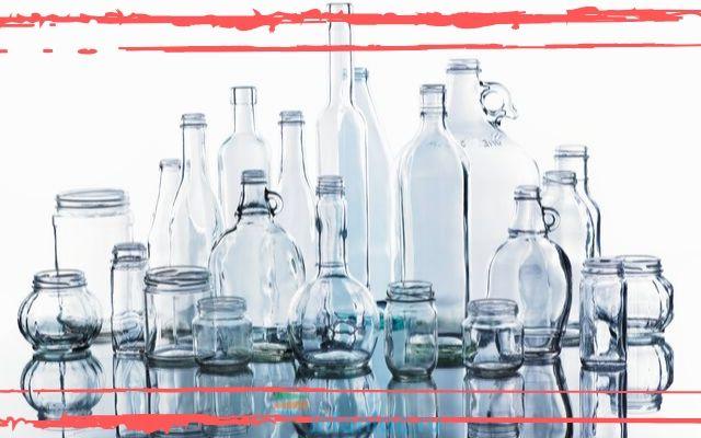 Стеклянные банки и бутылки