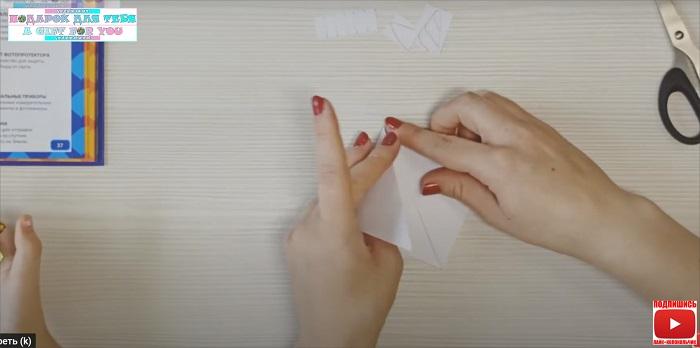 Закладка оригами Единорог из бумаги