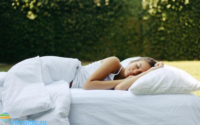 Медитация для сна: 7 упражнений, которые помогут справиться с бессонницей