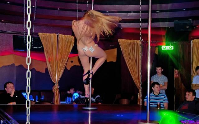 Accordion: порно фото стрептиз лизби