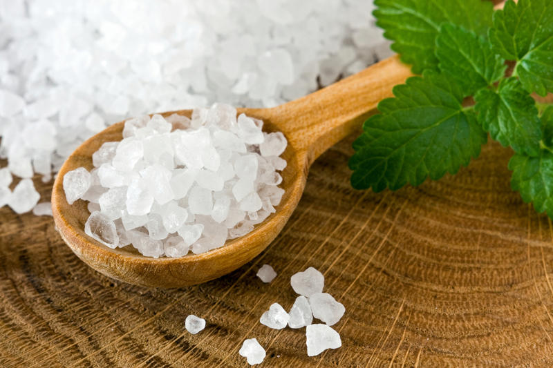 Соль — польза, вред и советы по лечению