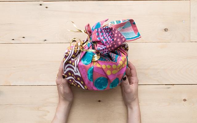b060ff1d2e8c67adc20ff513b21b22d3 Упаковка для новогодних подарков в Москве. Детские новогодние подарки и сладости.