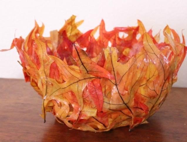 b40ec8505b839ae3db875e213fc6011d Букет из осенних листьев и рябины своими руками. Мастер-класс с пошаговыми фото