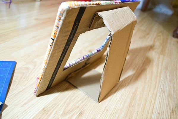 Подставка из картона для картинки