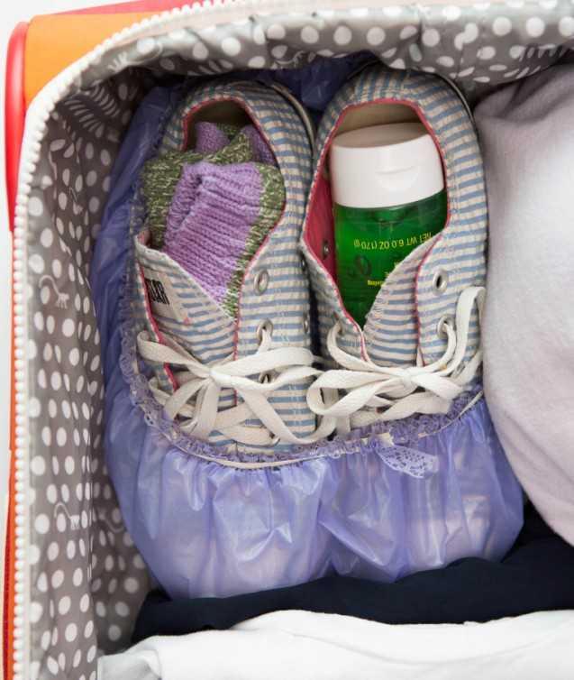 Как компактно сложить вещи в чемодан: как правильно уложить одежду, обувь и предметы личной гигиены в дорогу