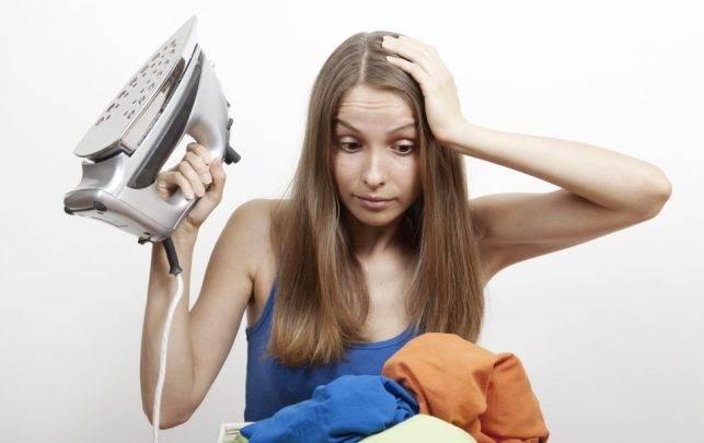 10 ошибок, которые вы совершаете при глажке утюгом и портите одежду