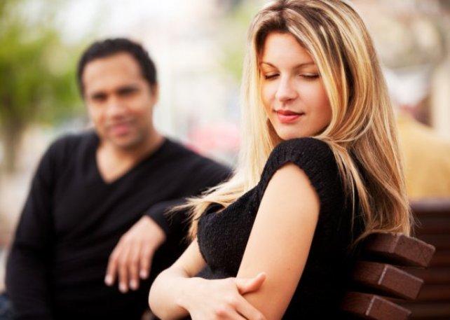 Как определить что в тебя влюблен парень