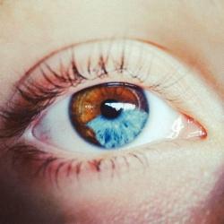 6 вещей, которые могут изменить цвет ваших глаз