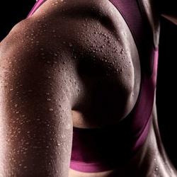 Надо ли стирать спортивную одежду после каждой тренировки