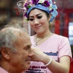 Новый массаж против морщин методом пощечин