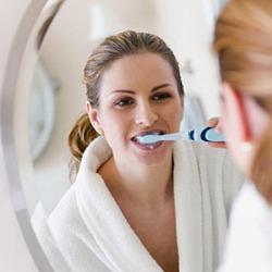 Плохой уход за зубами грозит воспалением легких
