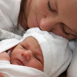 Первенца нужно рожать в роддоме, а второго ребенка можно и дома