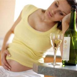 Эмбрионы мужского пола более чувствительны к алкоголю