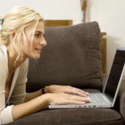 Технологически подкованные женщины предпочитают сексу интернет