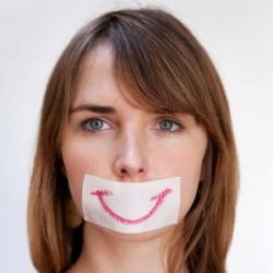 Притворяетесь счастливым? Это вредно для здоровья