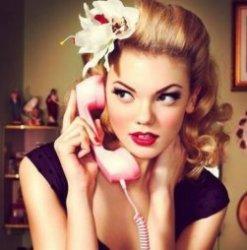 14 бессмысленных вещей, которые проделывают женщины в рекламах