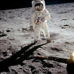 40 лет после высадки на луну: почему люди не поумнели?