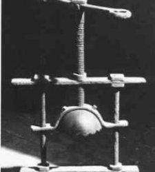 10 самых ужасных устройств для пыток в средневековье