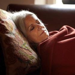 Развенчан миф о старческой бессоннице