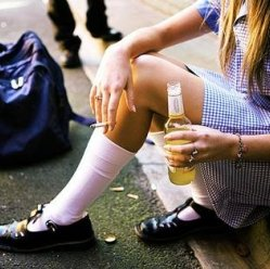 Подростки и алкоголь: всему виной интернет!