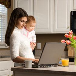 Чем дольше работает мать, тем больше толстеет ее ребенок?