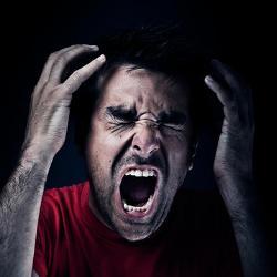что может вызвать плохой запах изо рта
