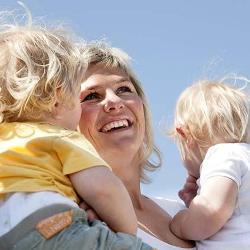 Матери близнецов живут дольше
