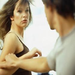 Кто кого обижает: парни – девушек, или наоборот?