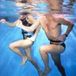 Новое исследование выявило плюсы физзарядки в воде