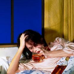 Алкоголь перед сном опасен, особенно для женщин