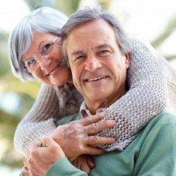 Люди в возрасте, занимающиеся сексом, самые счастливые
