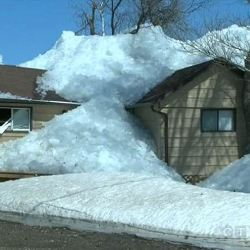 В Канаде и США прошло ледяное цунами