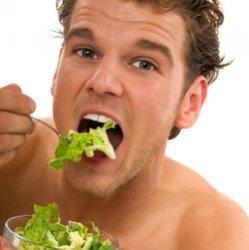 Женатые мужчины едят здоровую пищу, чтобы сохранить мир в семье