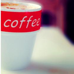 К тонизирующему эффекту кофеина может развиться привыкание