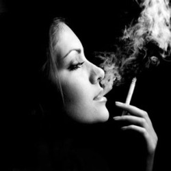 Курящие женщины и повышенный риск припадков