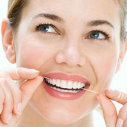 Несколько отличных способов отбелить свои зубы на дому