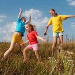 Дети, которые мало гуляют, становятся близорукими