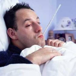 Мужчины не симулянты: они действительно переносят простуду тяжелее, чем женщины