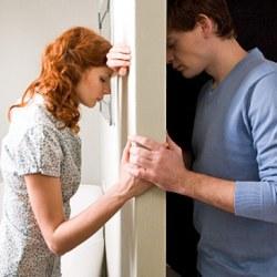 В среднем супруги ссорятся по 7 раз в день, показал опрос